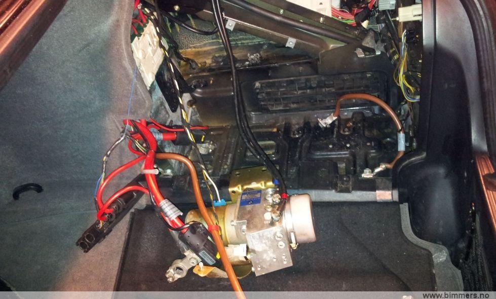 Trunk Hydraulics Question