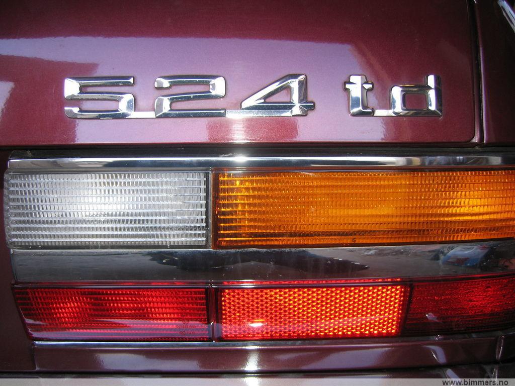 Burgundrot E28 524td restoration