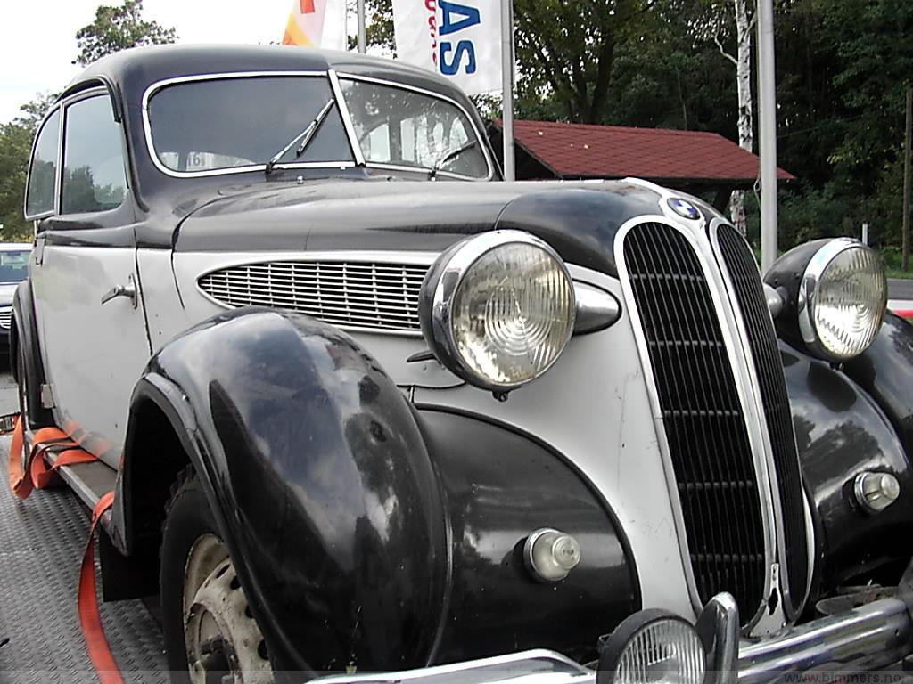 Import av 1949 modell bmw 321