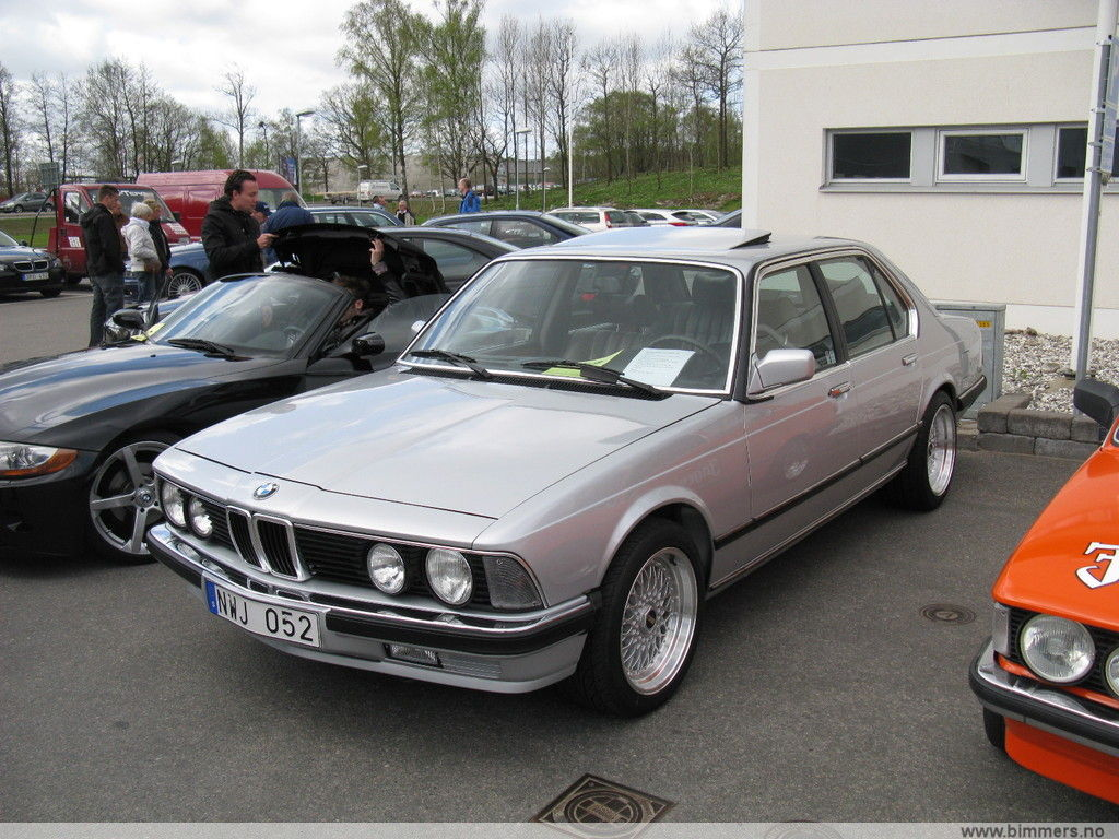 BMW E23 745i Turbo  The four door six Picture heavy  Page 3