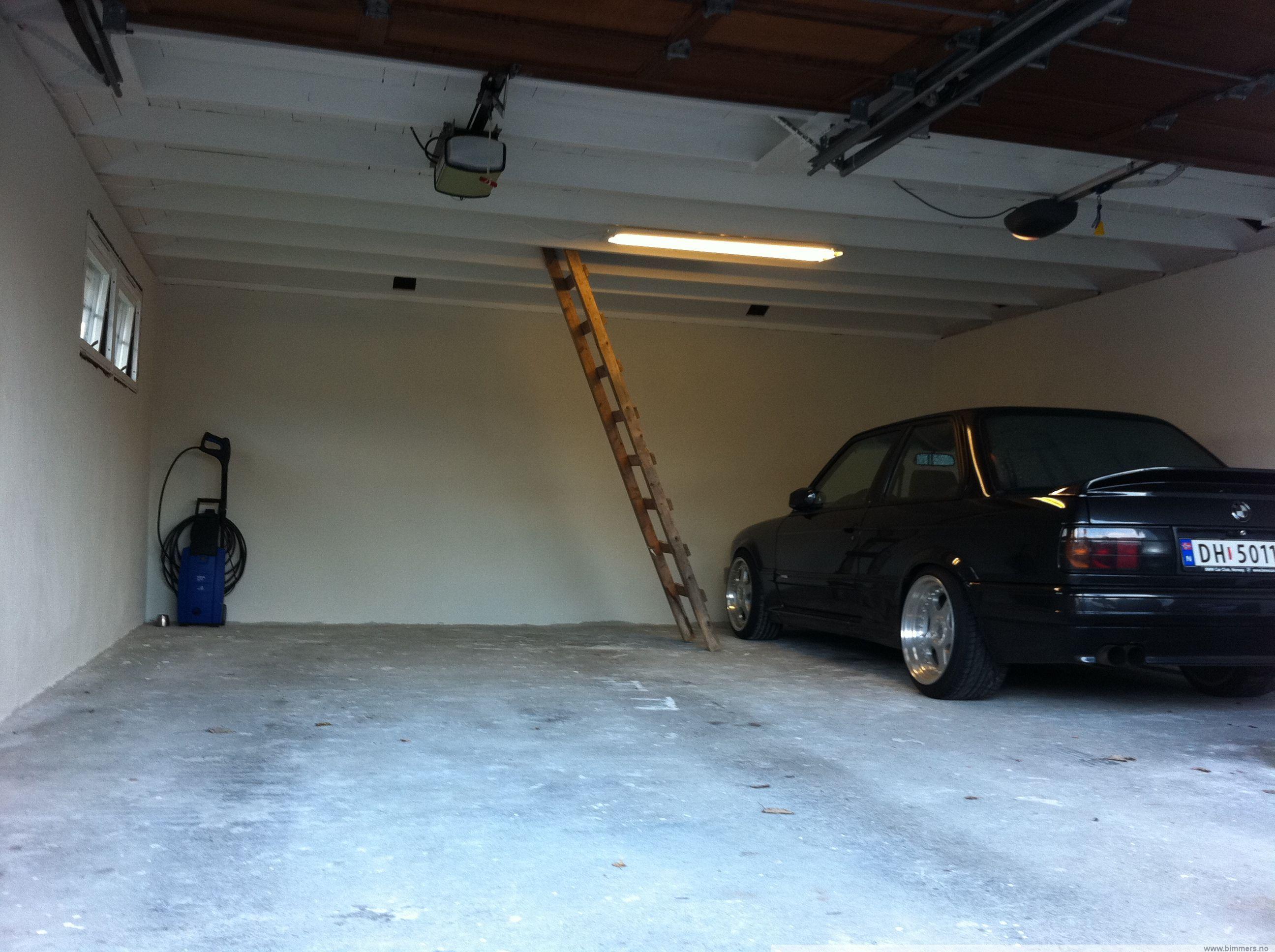Lysarmatur garasje