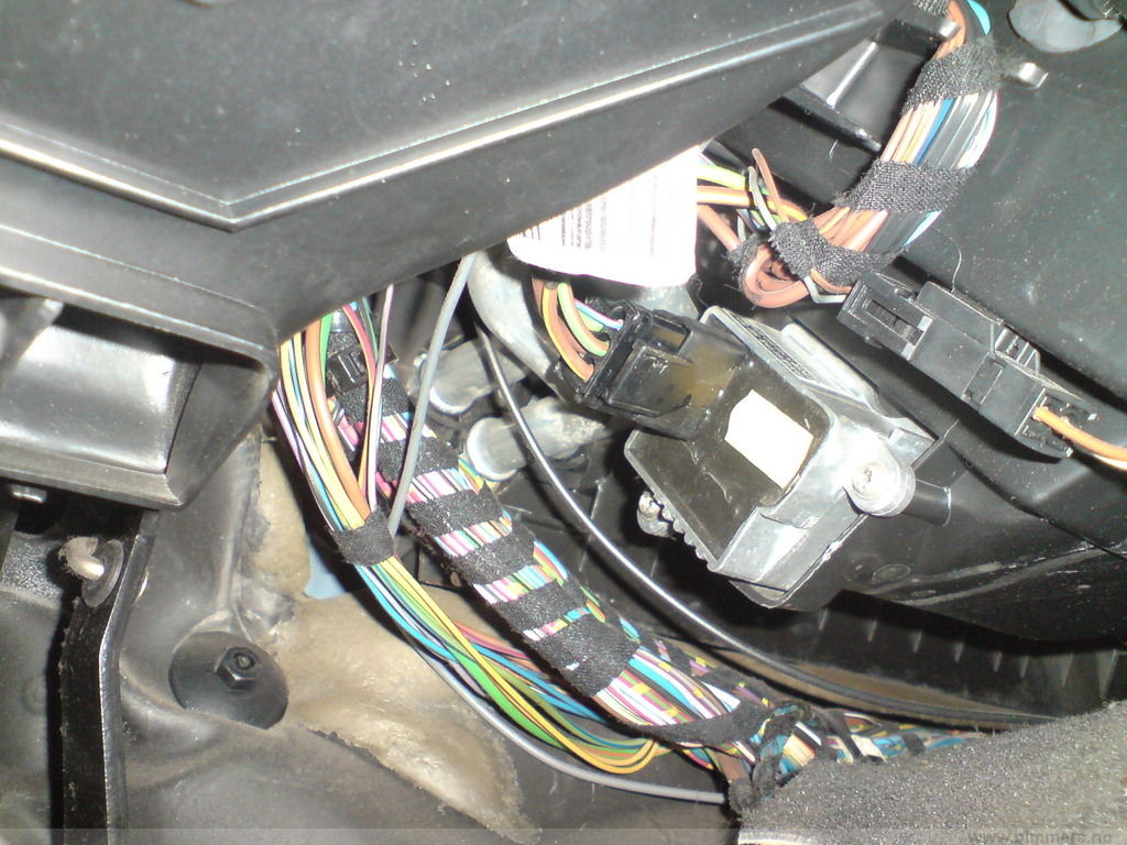 Bmw E46 Wiring Diagrams In Addition 2000 Bmw 328i Fuse Box Diagram